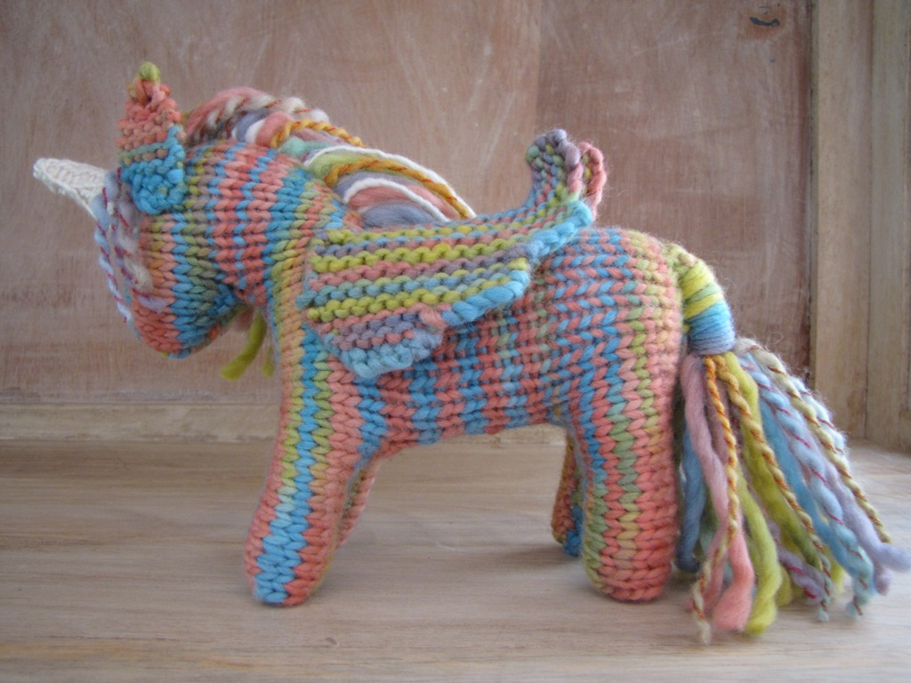 knitted unicorn pattern