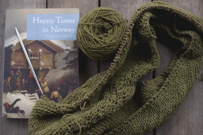 yarn-along-5686